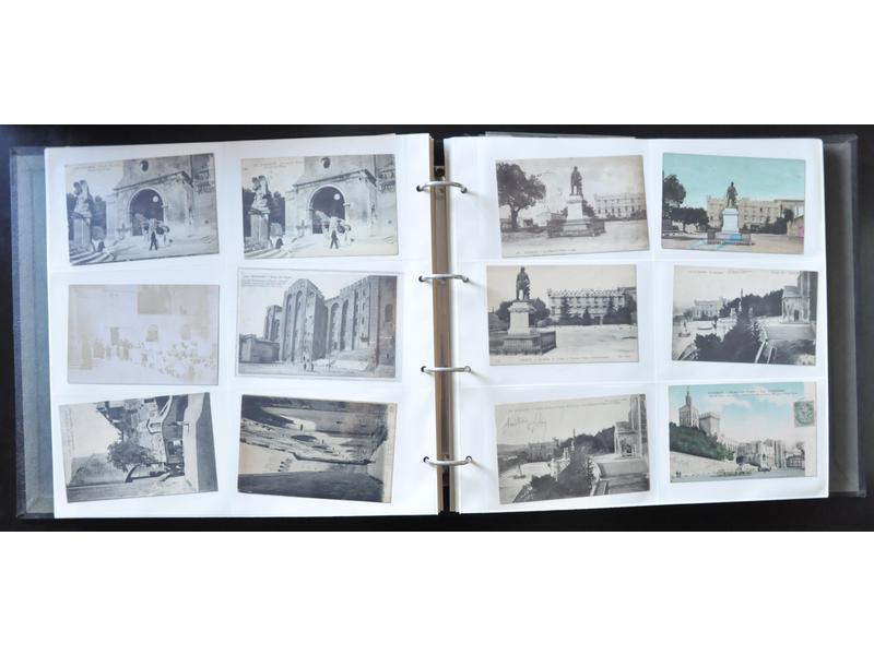 AVIGNON - 1 classeur de 368 cartes postales : Souvenirs d'Avigno - Hôtel des ventes d'Avignon