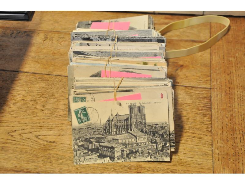 1 lot de + 500 cartes postales anciennes régionales de France.